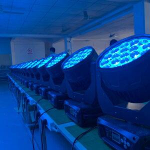 Светодиодная подвижная головка 19x15 Вт RGBW сценические огни для мытья / масштабирования Профессиональный DJ / Bar Светодиодный сценический станок DM